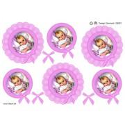 3D ark babypige i lyserød blondecirkel